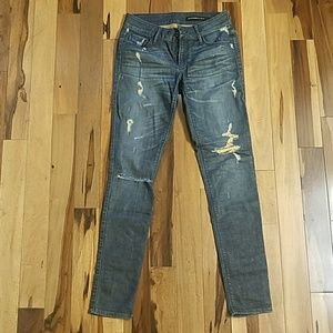 🌟NWOT Black Orchid Distressed Jeans
